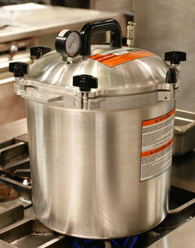 Our fancy new pressure device, the All American Sterilizer, 25 quart.